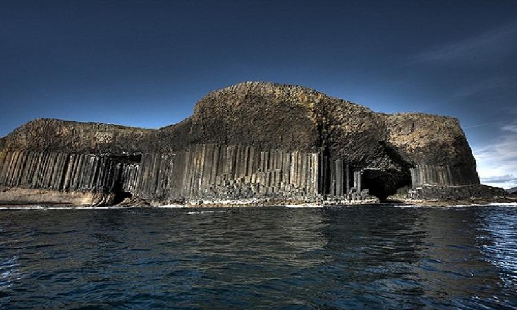 رحلة إلى جزيرة ستافا البركانية فى اسكتلندا واعمدتها البديعة