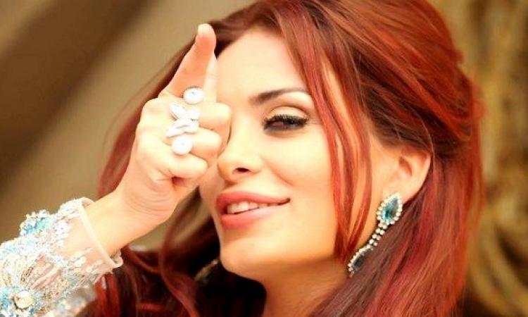 بالصور .. انتقادات لدومينيك حورانى بسبب اطلالتها المثيرة .. كلاكيت المرة الـ .. !!