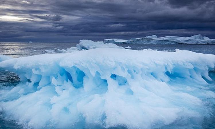 ذوبان الجليد .. يربك تمايل الأرض حول محورها
