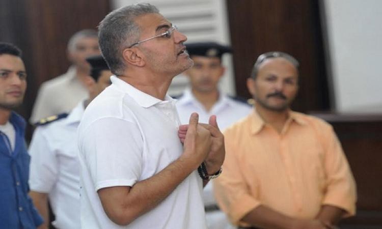 عصام سلطان للقاضي : محاكمتي إهانة للإنسانية !!