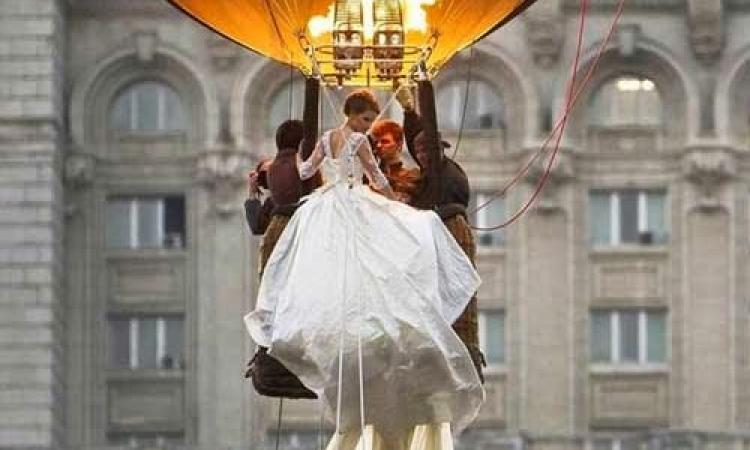 بالصور.. حفلات زفاف ما بين السماء والأرض