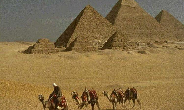 عائلات «نزلة السمان» ترفض مخطط تطوير «منطقة الأهرامات».. ويطلبون لقاء السيسي