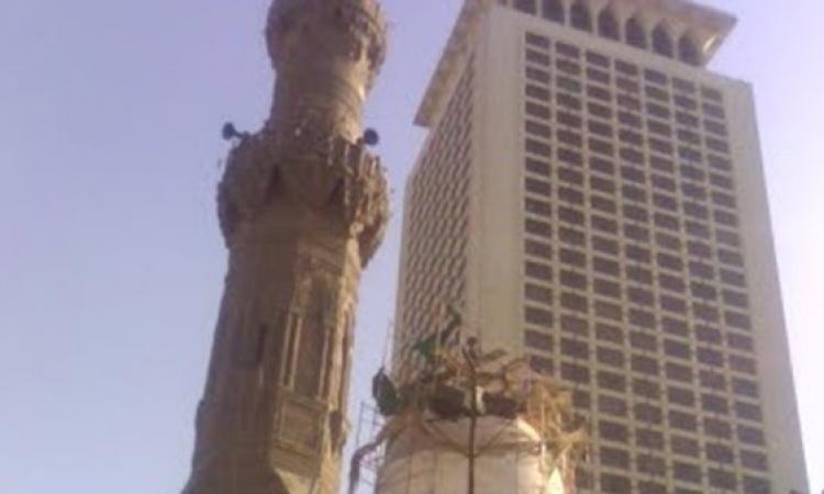 الداخلية : البحث عن فتاة منتقبة صعدت مئذنة مسجد أبو العلا قبل الانفجار