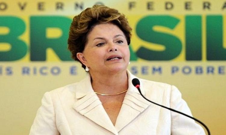 البرازيليون يحتجون  ويطالبون بعزل روسيف