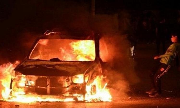 عناصر الأخوان يشعلون النيران في سيارات ضابط شرطة بالسويس