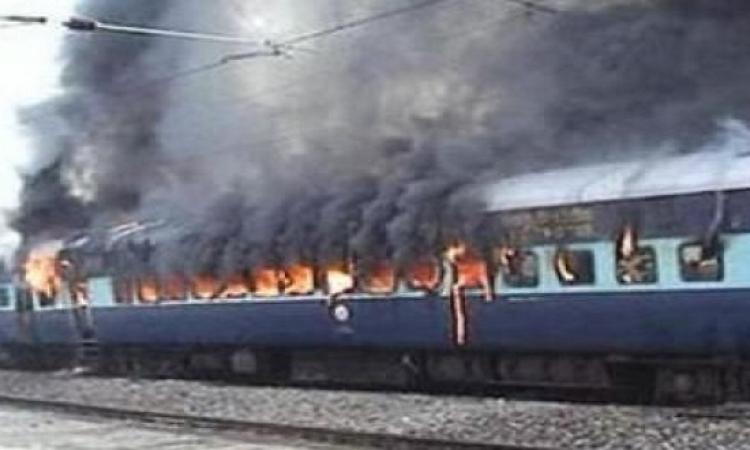 السيطرة على حريق بإحدى عربات قطار منوف