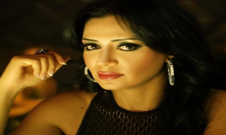 """رانيا يوسف و اكرم الشرقاوى فى  لـ Dubsmash بفيديو """"شيشة يا نهى"""""""