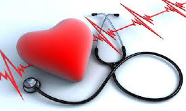 تليفونك بيراقب قلبك .. حتى جرب كده!!