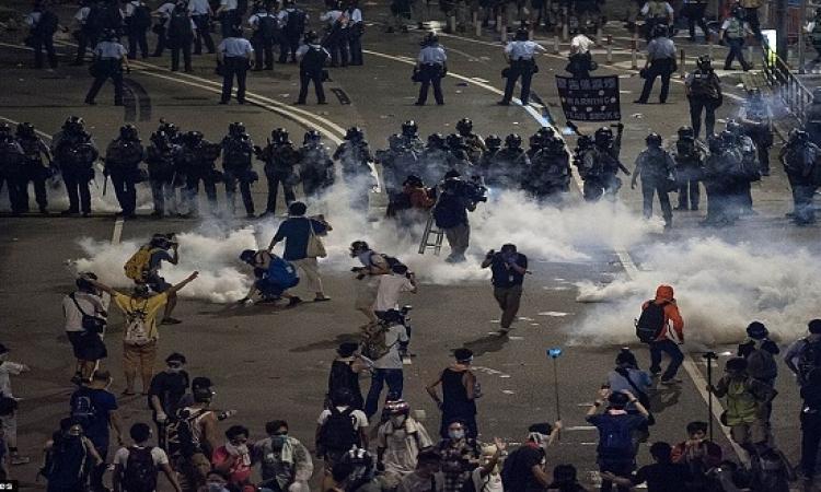 تجدد الاشتباكات بين المتظاهرين والشرطة فى هونج كونج