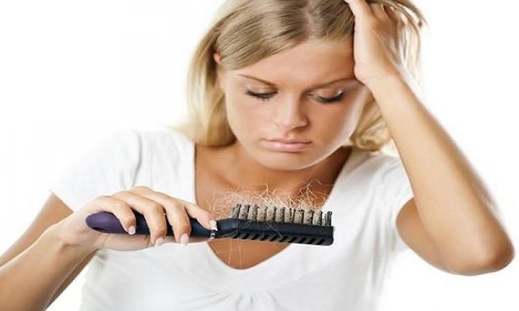 وصفات طبيعية لعلاج الشعر الجاف والمتساقط