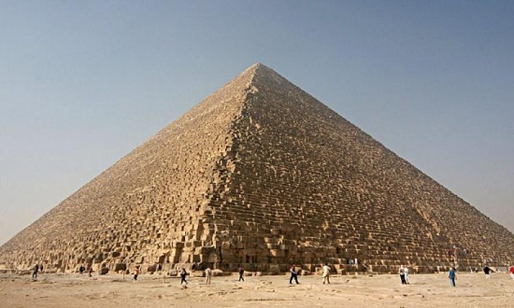 """منذ الفراعنة وحتى برج """" المملكة """" .. المباني الأطول على مر التاريخ"""