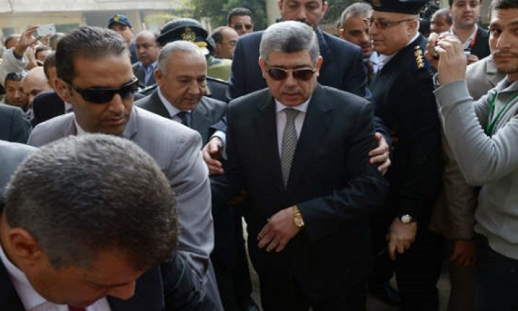 بالفيديو .. زيارة وزير الداخلية للمصابين من رجال شرطة و جيش