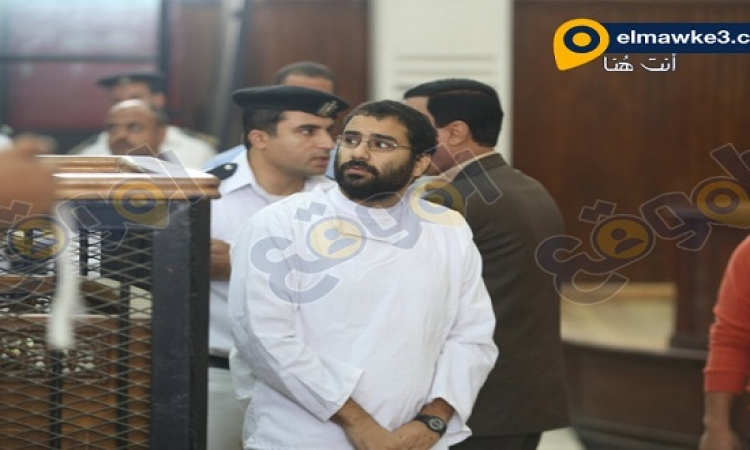 """استئناف محاكمة علاء عبد الفتاح وآخرين اليوم في قضية """"مجلس الشورى"""""""