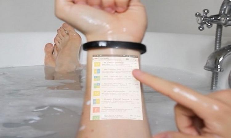 بالصور .. الإسورة الذكية تجلب هاتفك المحمول علي ذراعك فى أى مكان