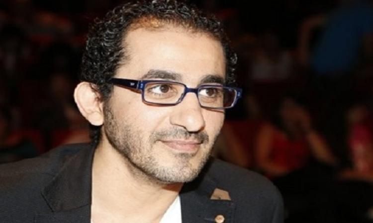 بالفيديو .. شريف منير يطمئن الجمهور: أحمد حلمي بصحة جيدة
