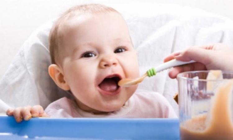 لماذا عليك أن تصنعين لطفلك أفطارً متوازنًا؟
