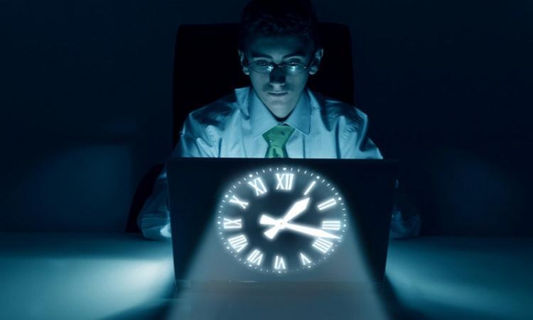 العمل الليلي يخفض الذكاء ويسبب شيخوخة خلايا الدماغ