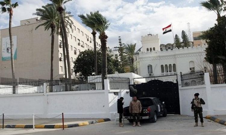انفجار سيارة مفخخة بمحيط سفارة مصربالعاصمة الليبية طرابلس