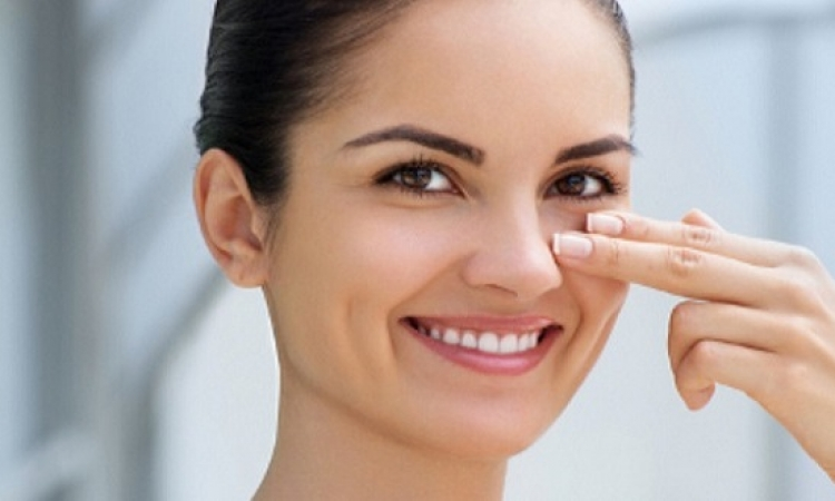 طرق لعلاج الهالات السوداء حول العين