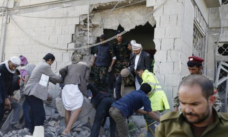 قتيلان و17 جرحيا فى انفجار سيارة مفخخة يستهدف منزل السفير الإيرانى بصنعاء