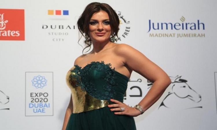 الديكولتيه .. يسيطر على أزياء المصريات فى مهرجان دبى .. طراوة برضه !!