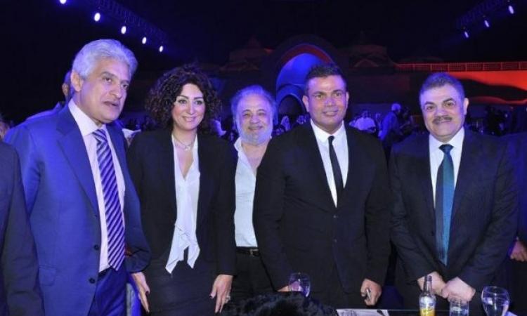 """عمرو دياب لساويرس : """" ايوه يا عم نجيب .. عاوزين حفلاتك الجامدة بتاعة زمان """""""