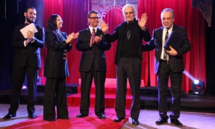 تكريم عمر الشريف ومحمود عبد العزيز  فى حفل تخرج طلاب معهد الفنون المسرحية