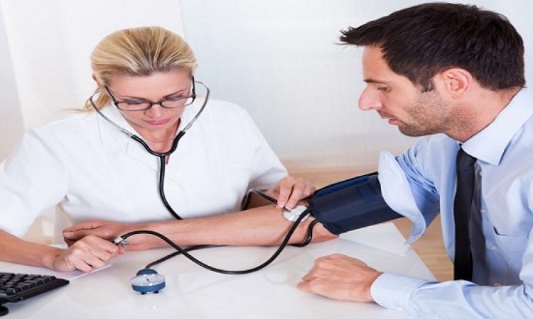 دراسة: العلاج الفورى لارتفاع الضغط يمنع النوبات القلبية والسكتة الدماغية