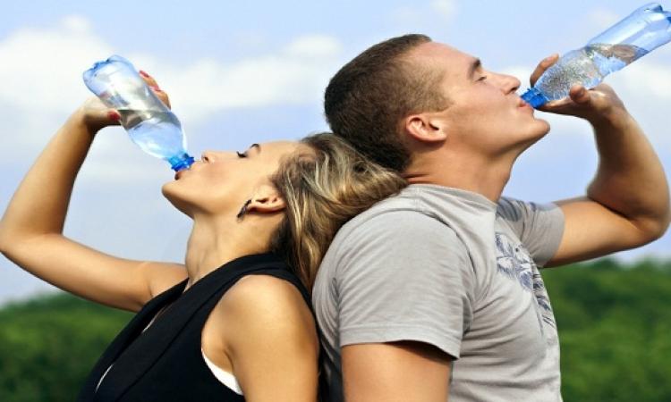 الماء الساخن تسهم فى تخفيض الوزن؟!