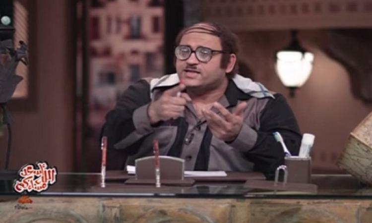 أبو حفيظة يحتفل بعيد الأم بأغنية سيد الحبايب يا أبويا : معلش مشيها سنة وسنة !!