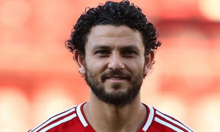 بالفيديو .. حسام غالى ينفعل على الحكم بعد نهاية مباراة المغرب التطوانى