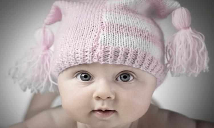 الأطباء يكتشفون معجزة الهيه داخل بطن طفلة رضيعة