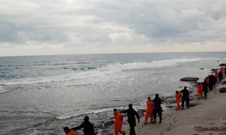 """لماذا اختار """" داعش """" ذبح المصريين على شاطئ البحر ؟"""