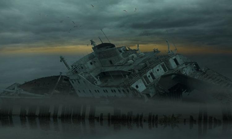 عاشق للبحر يبدع لوحات مذهلة للسفن وحطامها