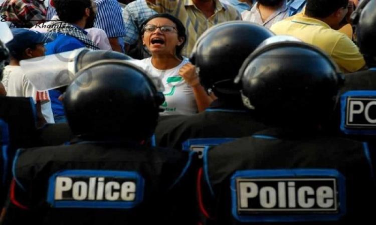 """الجنح تعاقب 10 أشخاص بينهم ماهينور المصرى بالسجن عامين فى """"اقتحام قسم شرطة"""""""