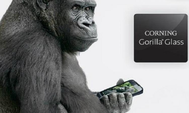 زجاج بخواص الياقوت من كورنينج للهواتف الذكية يقاوم الصدمات القوية