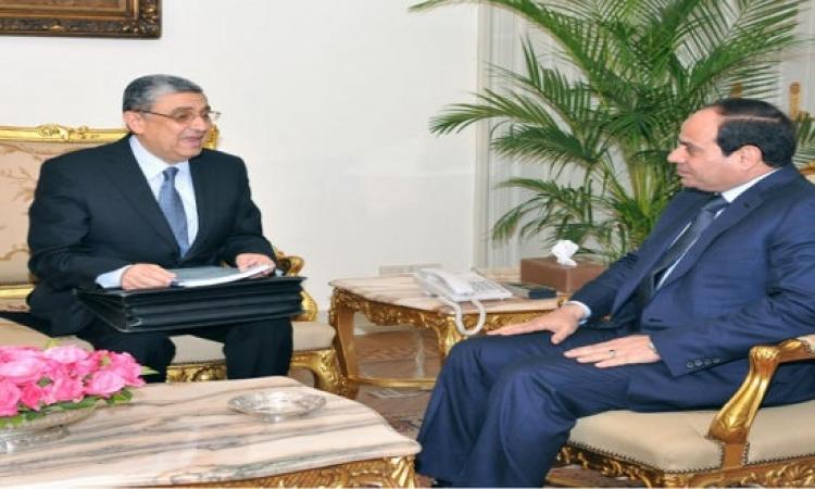 السيسى يبحث مع وزير الكهرباء إدخال محطات جديدة ضمن الشبكة القومية