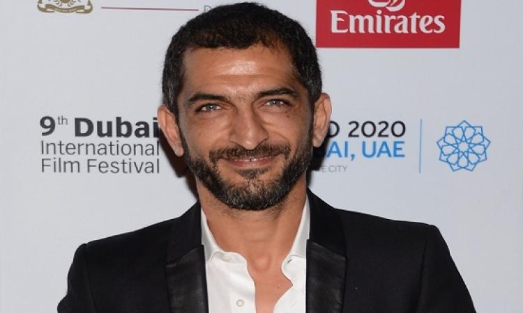 عمرو واكد يعلق على غرق الإسكندرية : حزن السنين !!