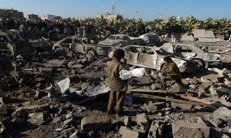 """لحظة هروب الحوثيين بعد بدء عملية """"عاصفة الحزم"""""""