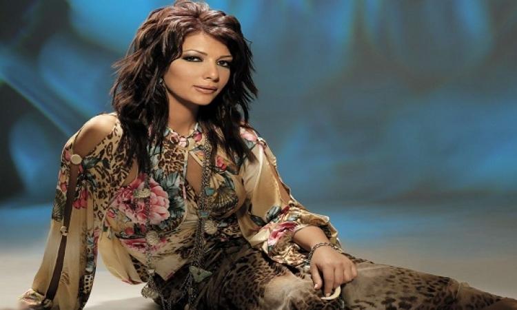 """بالصور.. """"أصالة"""" معلقًة على نجاح ألبومها الجديد: غنيت كما أغنى لنفسى"""