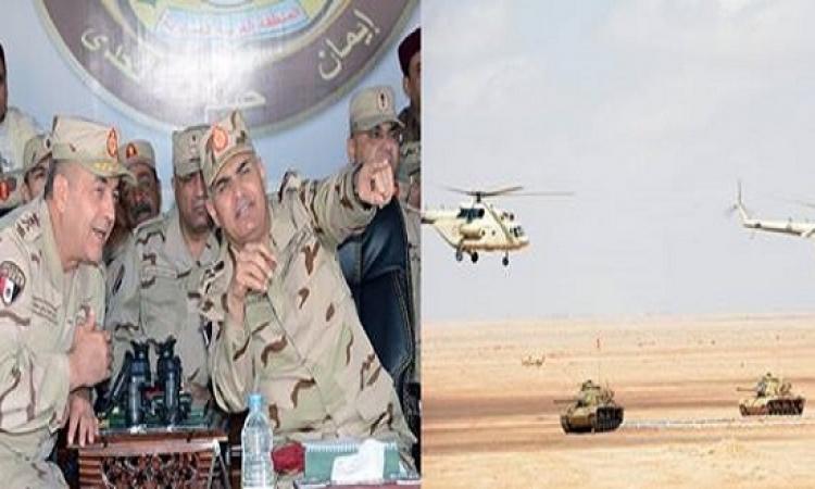 """صبحى يشهد المناورة """" رعد """" على الحدود الليبية التى جرت بمشاركة جميع أسلحة الجيش"""