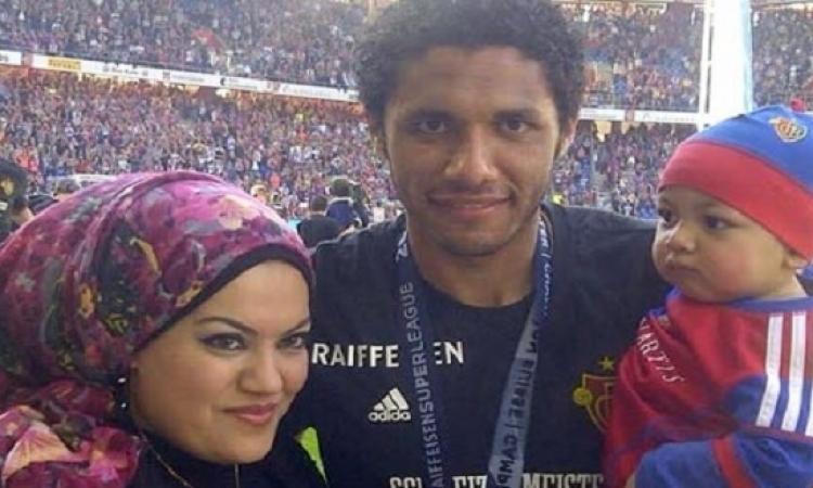 محمد الننى: وجود عائلتى أبعد عنى جو الغربة ..والنادى السويسرى رفض التفريط فى خدماتى