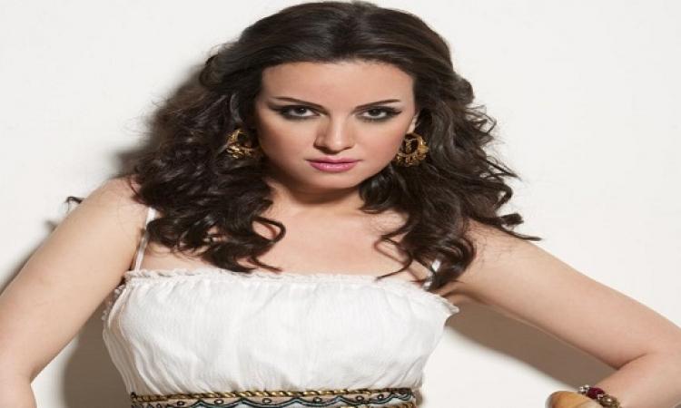 بالصور .. ريهام عبد الغفور تنال الاعجاب بإطلالة كلاسيكية
