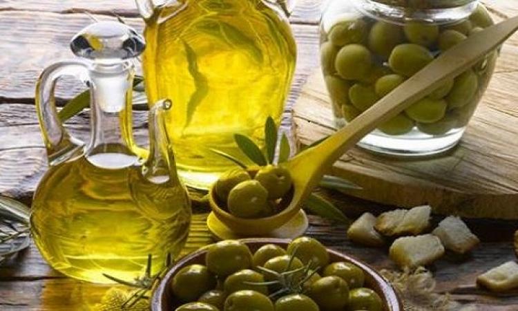 تعرفوا على فوائد زيت الزيتون وكيف يقلل من مخاطر الأمراض