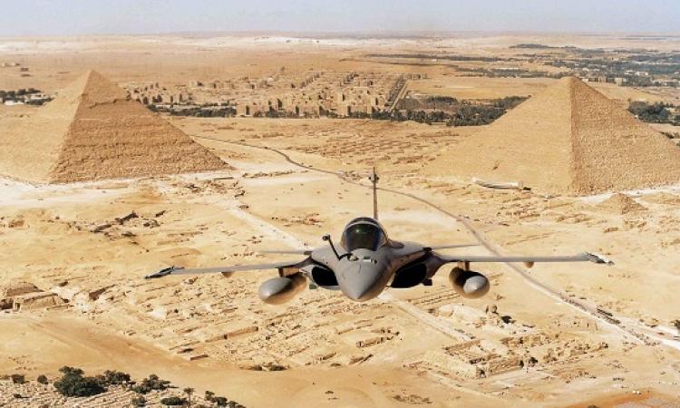 بالفيديو .. تفاصيل الغارات المصرية على مواقع الإرهابيين بليبيا