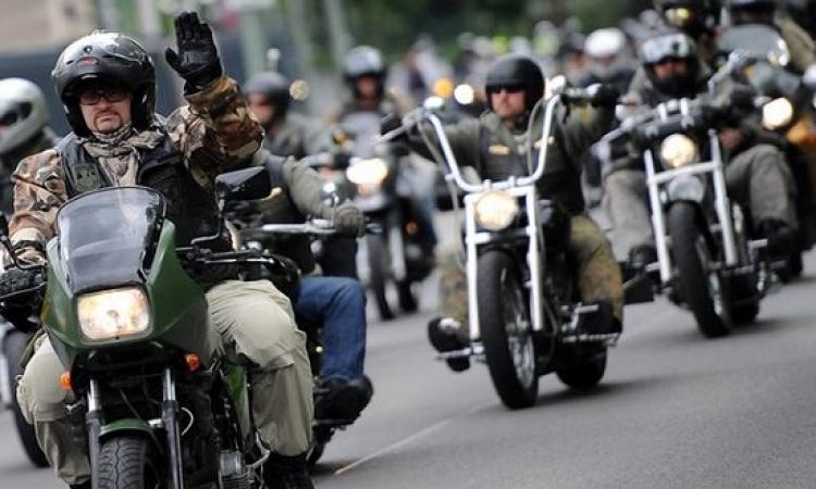 شباب الدراجات النارية أكثر جاذبية عند النساء .. لماذا ؟!
