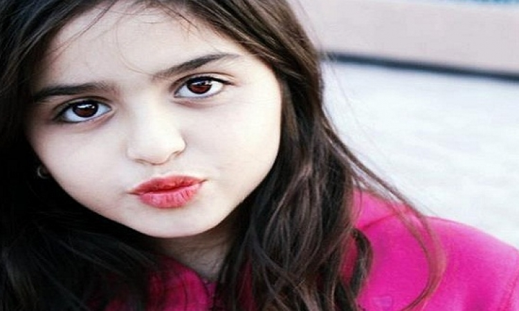 والد حلا الترك يغلق حساباتها رسميًا بعد تشبهها بمايلى سايرس