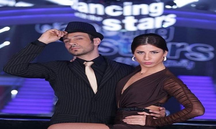 بالفيديو .. محمد عطية يهدى رقصة تانجو أرجنتينى لشهداء الثورة !!