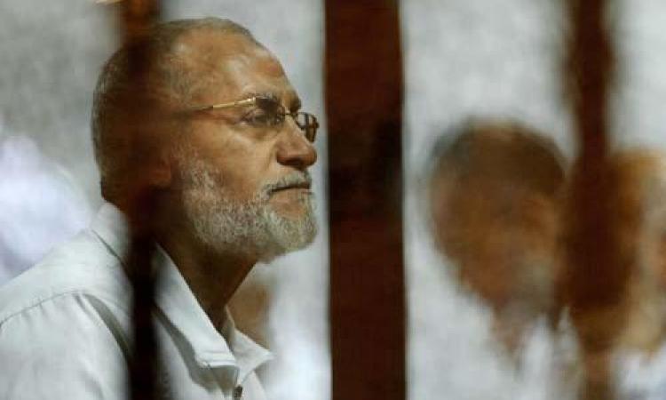 تأجيل محاكمة بديع و190 آخرين في اقتحام قسم شرطة العرب الى 20 إبريل