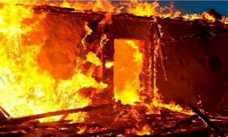 حريق هائل بمصنع للصوف الواقع على طريق فوة مطوبس فى كفر الشيخ